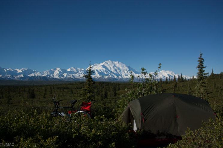 Zelten vor dem Mount McKinley
