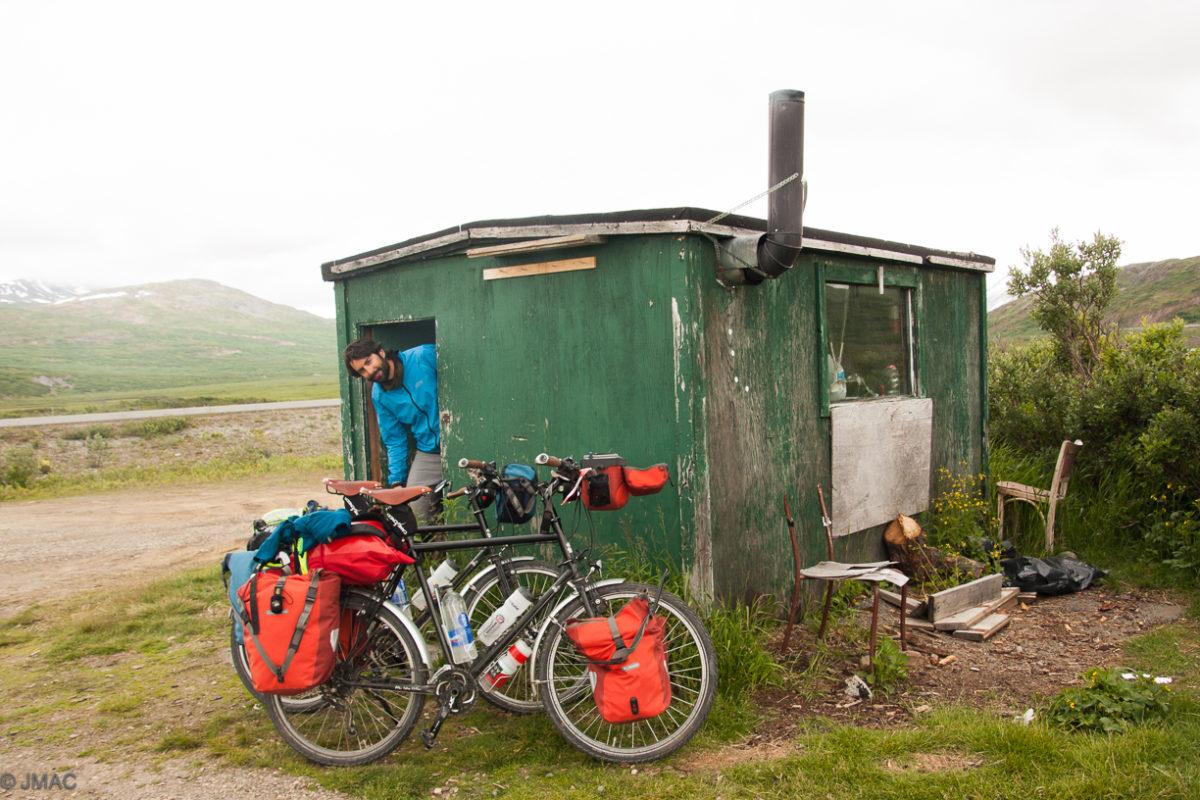 Hütte auf dem Chilikat Pass