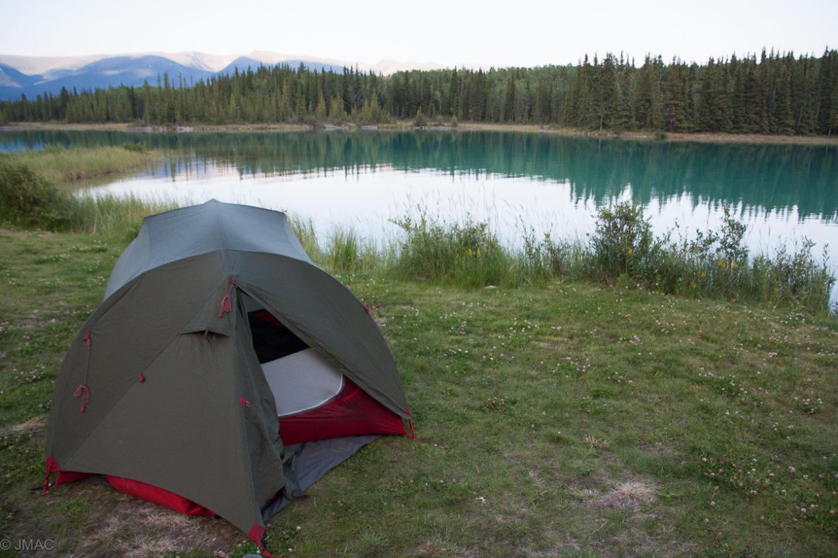 Zelteln am Boya Lake